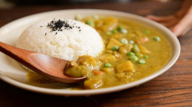 curry made with coconut milk