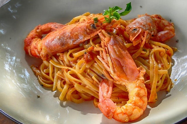 Baked Shrimp Served with Spaghetti