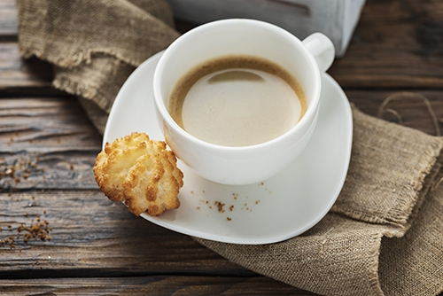 coconut macaroons with coffee