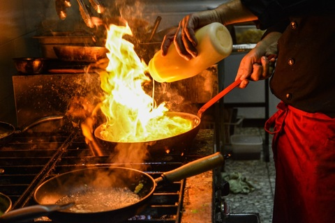 deep frying seafood with oil